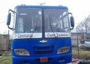Se vende bus isuzu 2002
