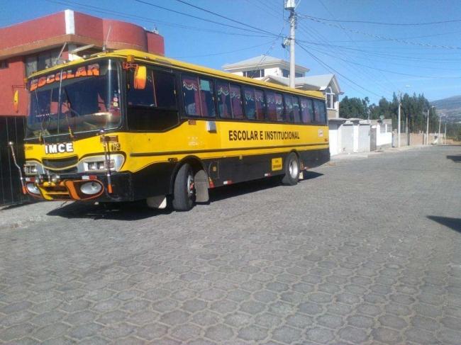 Se vende bus escolar. Buen estado.