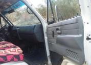 Se vende un camión isuzu npr