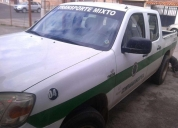 Mazda bt50 con transporte mixto.