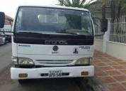 Vendo excelente camion qmc año 2006