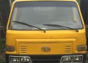 Excelente camión volqueta