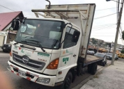Excelente camión hino fc de 7.5 toneladas