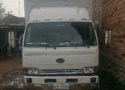 Excelente camión nissan 100 japonés 5 toneladas