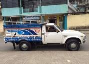 Se vende camioneta toyota stout 2200, contactarse.