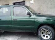 Excelente camioneta toyota 2003