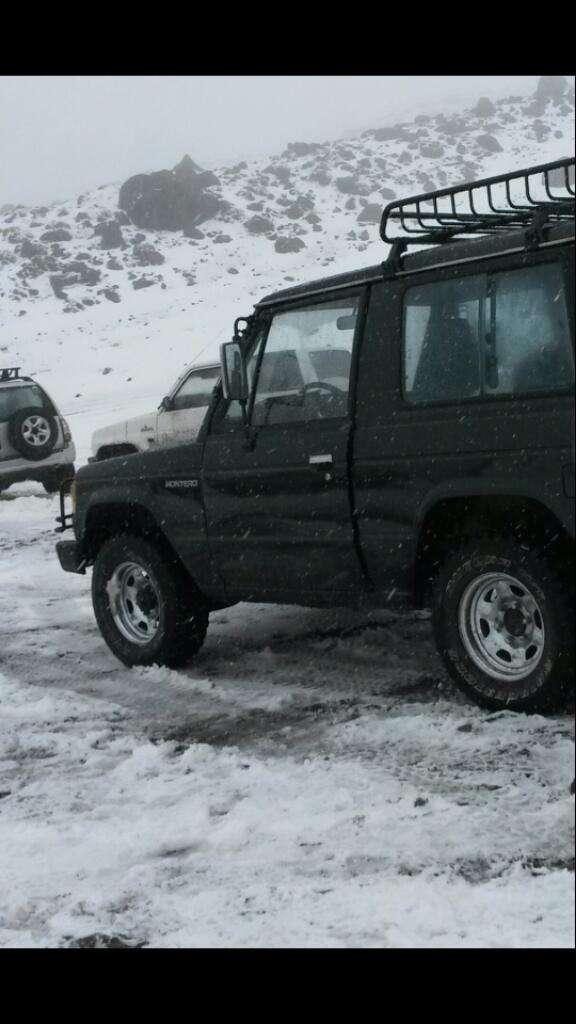 Excelente Jeep Montero Motor Reparado