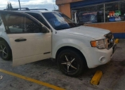 Excelente ford escape