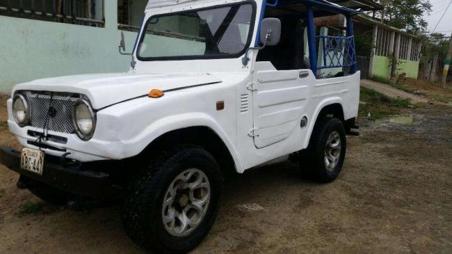 Vendo Carro Daihatsu Jeep Del Año 1981. Contactarse.