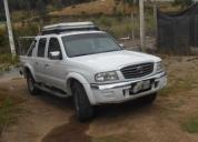 Se vende una camioneta doble cabina