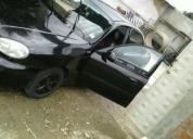 Vendo un auto negro en buen estado.