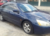 Excelente honda accord 2005
