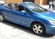 Peugeot 307cc convertible color azul.