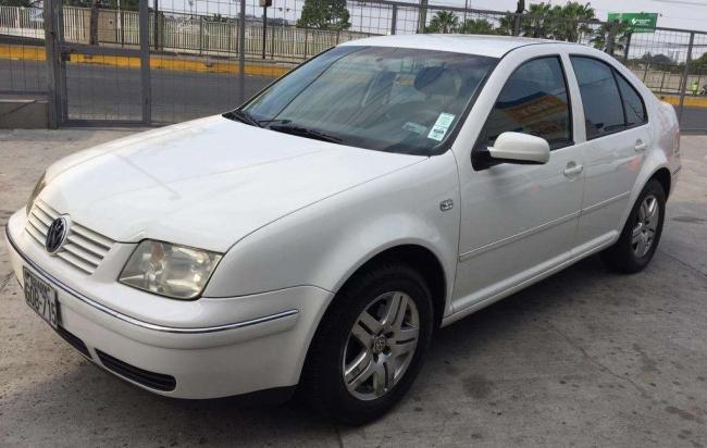 Vendo Volkswagen Jetta Trendline 2.0 Automático