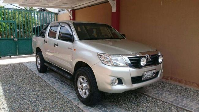 Vendo de urgencia Toyota 4x2 diésel 2013, Aprovecha ya!.
