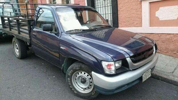 Vendo o cambio camioneta Toyota Stout II del 2004. Oportunidad!.