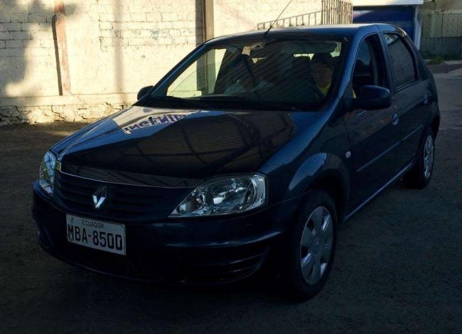 Vendo Renault Logan 1.6 Expression 2014. Buen estado.