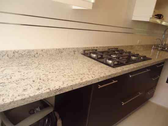 Fotos de mesones en granito marmol y cuarzo para cocinas for Oferta granito marmol