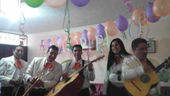 mariachis en quito los Blanco de calidad $40 ,,,,,,,2401341