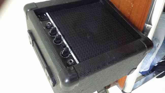 guitarra electrica mas amplificador !!!
