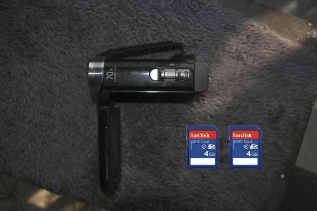 Vendo o Cambio Filmadora Sony con proyector. Negociable 250 $