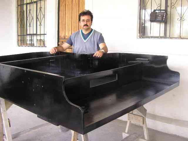 PERMÍTAME DARLE VIDA A SU AMIGO PIANO