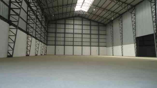 Alquilo Galpon Bodega Industrial de 2.000 m2, via daule, guayaquil