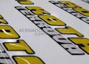 Producción de adhesivos con relieve para motos, pegatinas resina y calcos 3d para publicidad