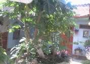 Se vende casa grande con  dos locales ,dos departamentos (centrode catamayo)