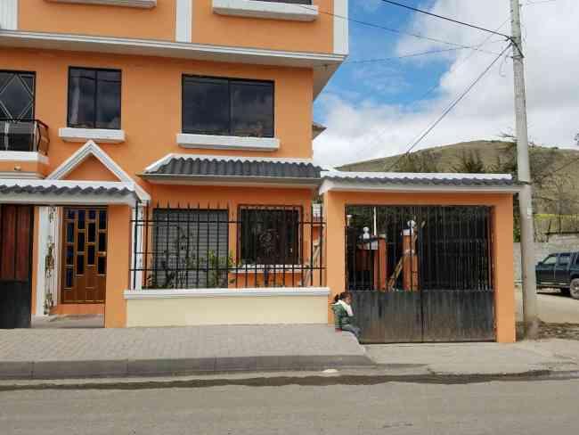 Casa en venta en Cañar, Ecuador
