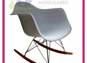 silla mecedora blanca