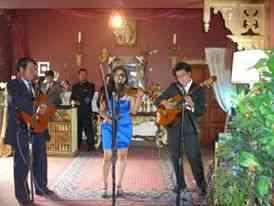 """Serenatas musicales en el mes del padre con el """"Trio identidad"""""""