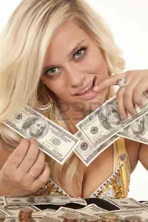 BARBARA SCORT , EN GUAYAQUIL, BUSCO NENAS Q DESEN GANAR MUCHO $$$$$$