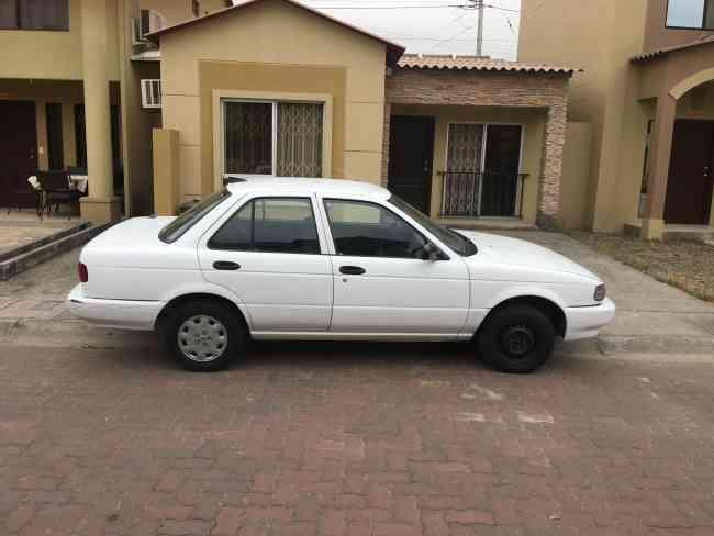 Nissan Sentra clásico automático