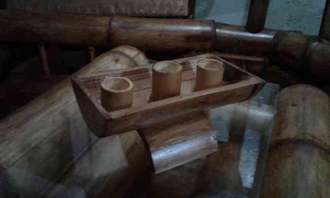 vendo juego de sala de bambu recien hecho con 3 OBSEQUIOS GRATIS x lq compra en 150 fijos