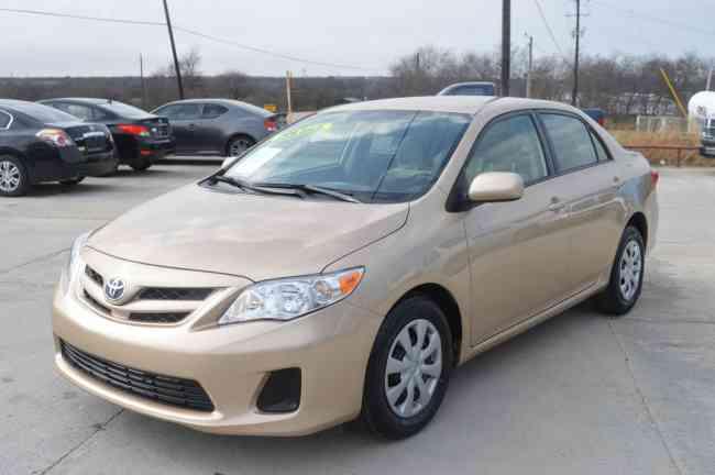 2011-Toyota-Corolla a la venta por un buen precio