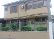 Se vende casa de 2 plantas, urbanizacion la puntilla (guayaquil)