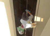 Maestro pintor de lo interior y lo exterior realizamos la limpieza de los vidrios