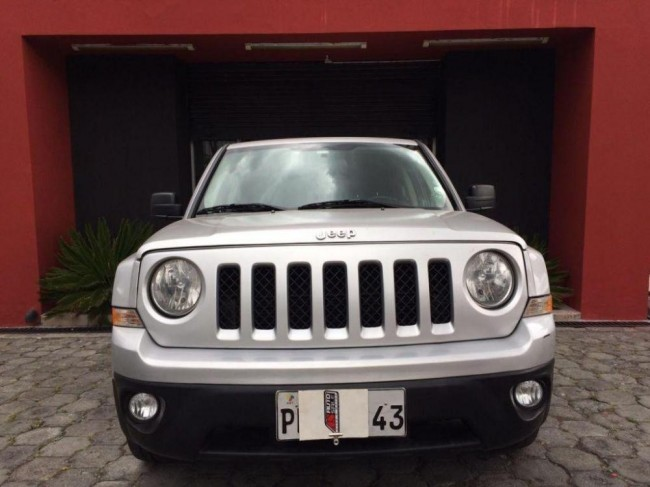 Excelente Jeep Patriot, 2011, Gasolina