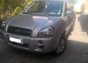 Vendo hyundai tucson turbo diesel 2010 a solo 16500
