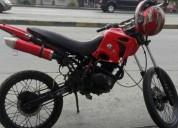 Vendo moto en perfecto estado pido $300 , esta en exente estado !