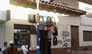 PROPIEDAD.EN EL CENTRO DE OTAVALO COMERCIAL..NO ES BIEN PATRIMONIAL..INF.0994029629