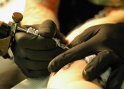 Se necesita contratar un tatuador con experiencia