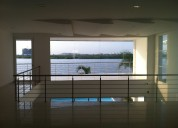 Casa con vista al rio moderna minimalista