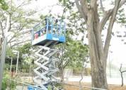 Elevador de personas para construccion mantenimiento y limpieza en ecuador