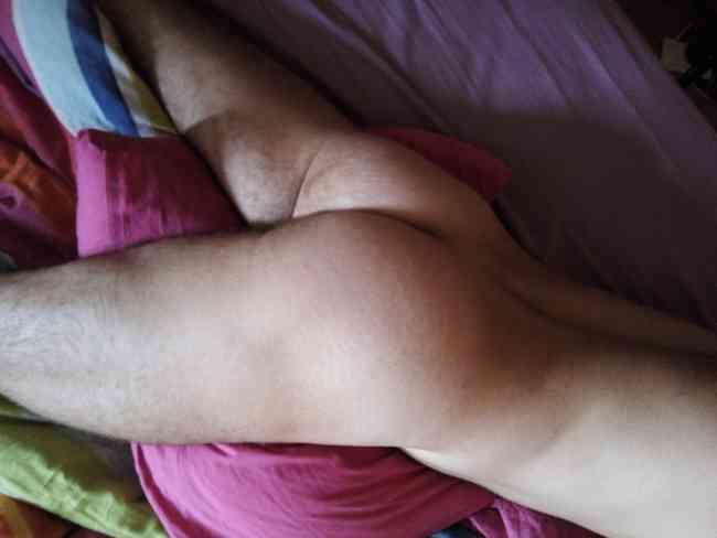 Hombre busca hombre en Quito citas 0994801466 whasatpp