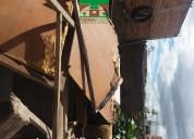 Casa con un local comercial en juan montalvo