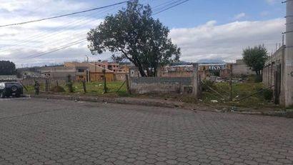 Jr terreno Sur De Quito 1 Cuadra De La Pana Sur negociable 2100 m2