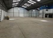 Bodega de 1 300 m2 de bodega con 2 400 m2 de terreno sector calderon en quito