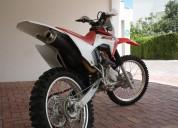 Honda crf 230 roja